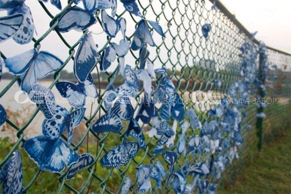 ukrashenyje zabora33 - Забор из сетки рабицы своими руками