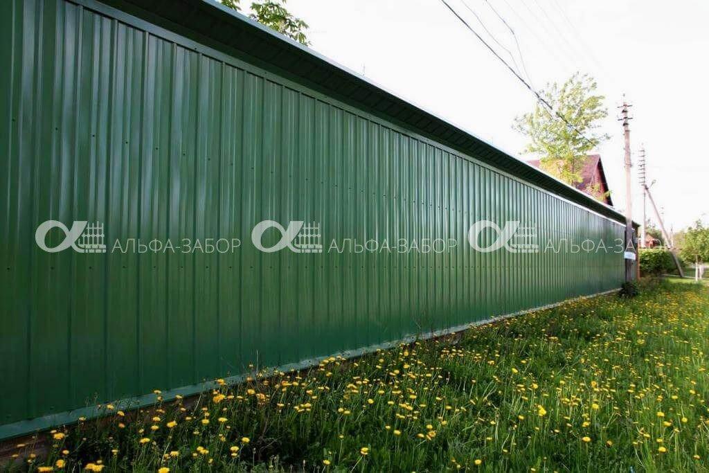zelenyi zabor profnastila 1024x683 - Забор из профнастила